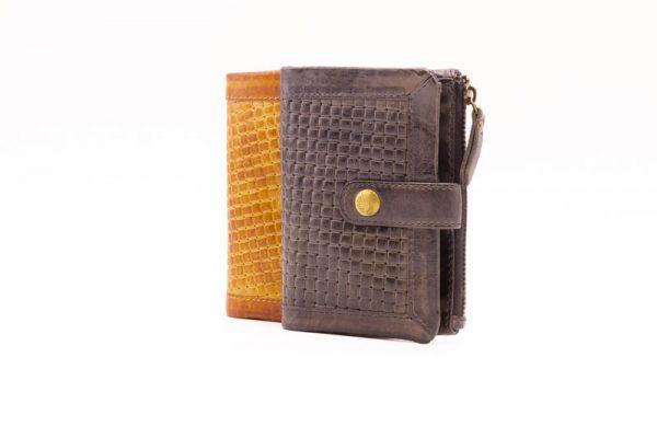 billetera de mujer en piel jaguar